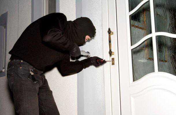 Ozzano (Bologna), arrestati due topi d'appartamento