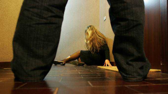 Firenze, pakistano molesta 29enne. Arrestato per violenza sessuale