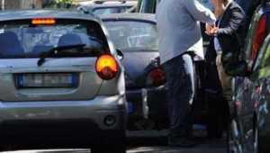 Daspo urbani a parcheggiatori abusivi di Cosenza