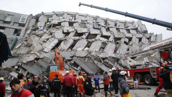 Disastroso terremoto a Taiwan (Tainan city). 6.4 Richter. Crolli, morti e feriti
