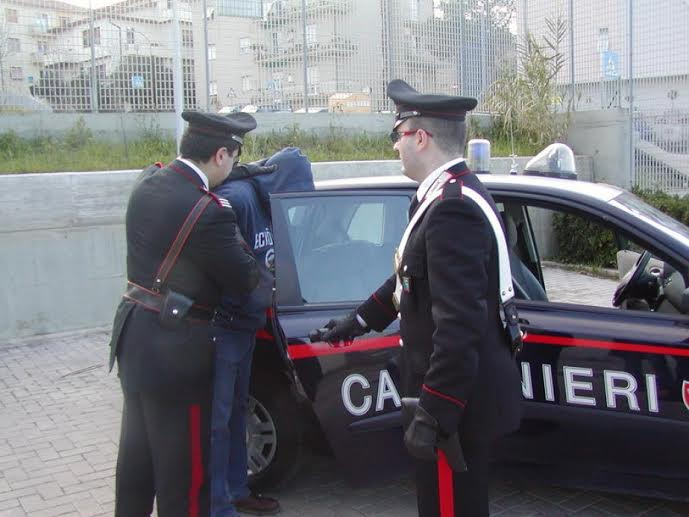Droga, sette arresti e due denunce nel Cosentino - Cosenza - Corigliano Calabro, Spezzano Albanese e Amantea, Carolei
