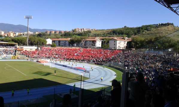 Derby Cosenza Catanzaro, ingresso in anticipo (12:30)