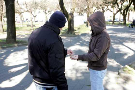 """Ancona, spaccio di droga in bocca. Arrestati 9 """"sputapalline"""""""