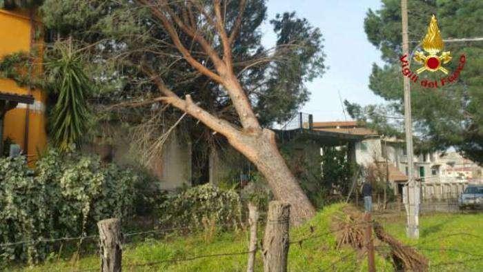 Maltempo in Calabria, migliora il tempo. Si contano i danni