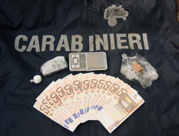 Crotone, evasione, droga e soldi falsi. Un arresto e denunce