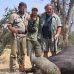 Massimiliano (al centro) e Claudio Chiarelli a sinistra uccisi in Zimbabwe