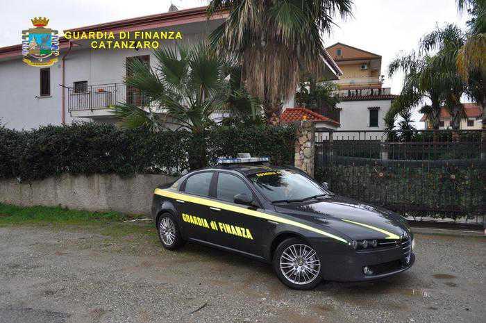 Lamezia Terme, Sequestrata villa a Domenico Giampà