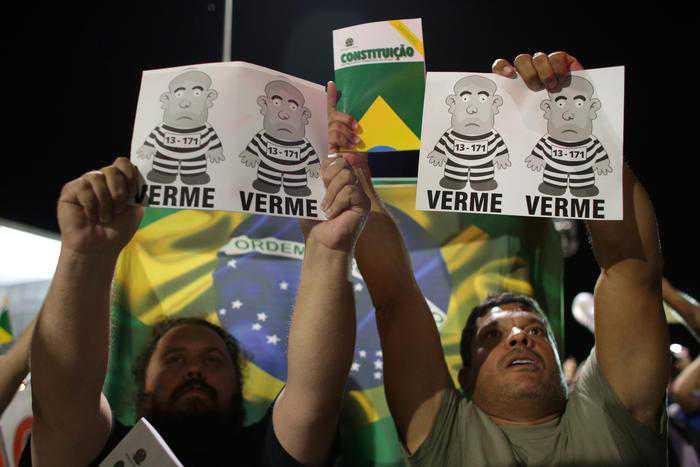 Proteste contro Lula