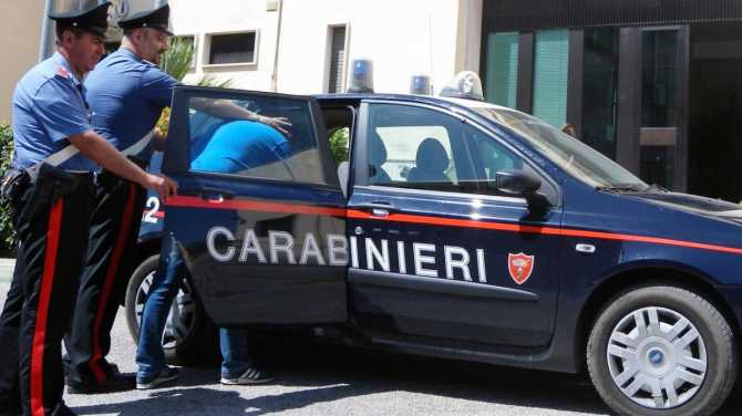 Armi, droga e maltrattamenti. Arresti e denunce nel Reggino e a Reggio Calabria