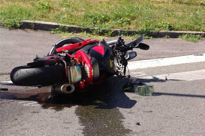 Mirto Crosia Moto contro palo. Muore Fabio Felicetti