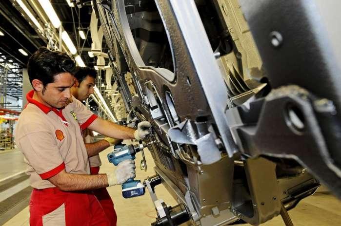 "Pil 2015 più 0,8%. Italia torna crescere. Renzi: ""Gufi a zero"""