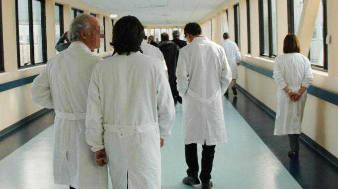 Ospedale Vibo Valentia, per protesta si dimettono 15 primari