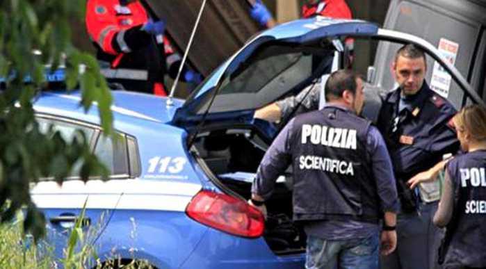 Napoli, uomo trovato sgozzato in auto. Fermato un ragazzo