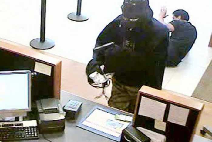Colpi in banca travestiti da finanzieri. 4 arresti a Savona