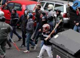 Cosenza, scontri casapound centri sociali