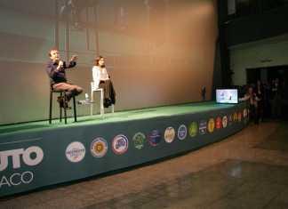 Mario Occhiuto mentre parla al Citrigno