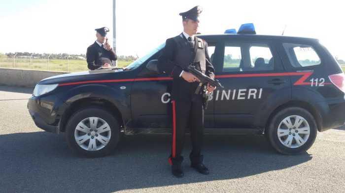 Violazione della sorveglianza, resistenza ed evasione, tre arresti a Crotone