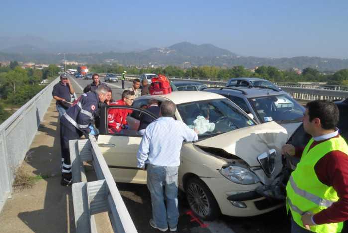 Incidente stradale sulla statale 107 a Celico. 5 feriti