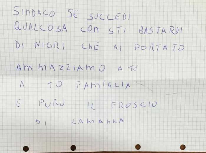 """""""Se accogli i migranti ti ammazziamo"""". Minacce a sindaco Palizzi"""