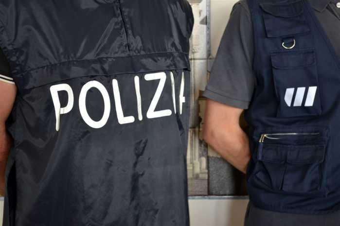 Droga ed estorsione, 4 arresti Reggio Emilia, tra cui padre e figlio calabresi