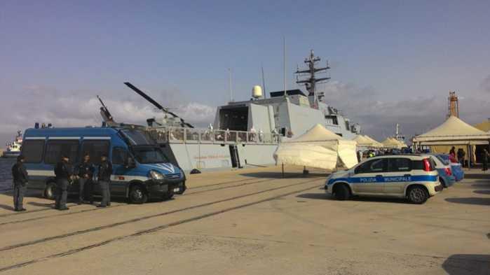 sbarco migranti porto di Reggio Calabria