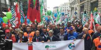 1 Maggio, corteo di Cgil, Cisl e Uil a Genova: Priorità è lavoro