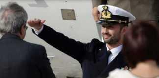 Salvatore Girone al suo rientro a Ciampino