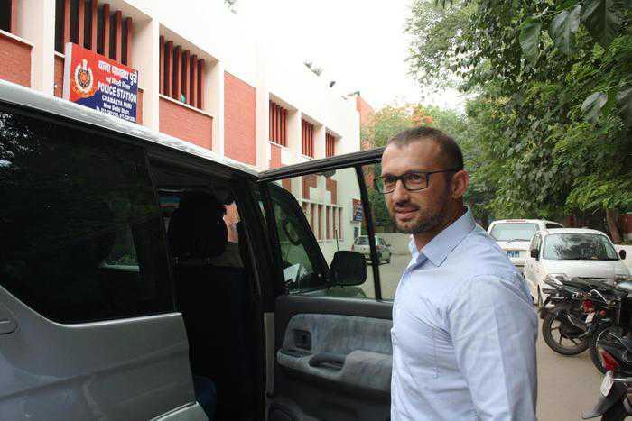 Marò: Salvatore Girone in Italia durante l'arbitrato