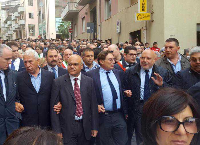 Nebrodi, in migliaia al corteo di soliderietà a Giuseppe Antoci