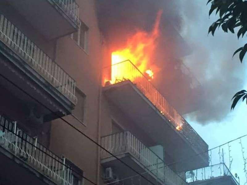 Corigliano incendiato studio Maria Salimbeni
