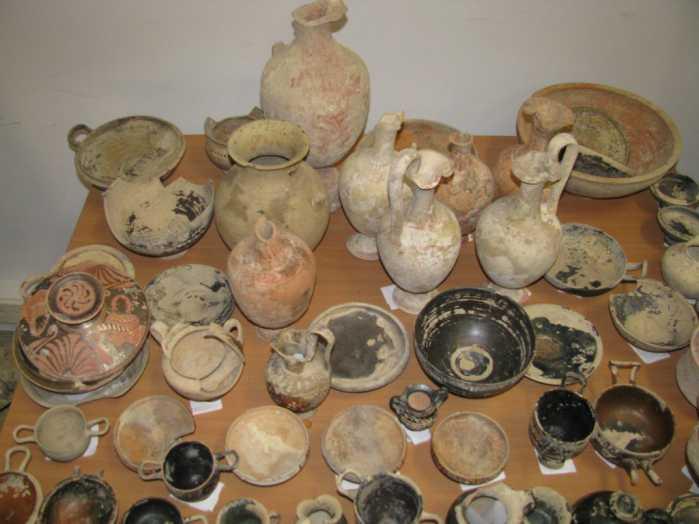 Reperti archeologici, smantellata banda di tombaroli