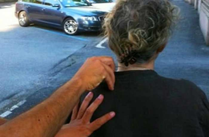Scippa un anziano ai Due Fiumi, arrestata una donna