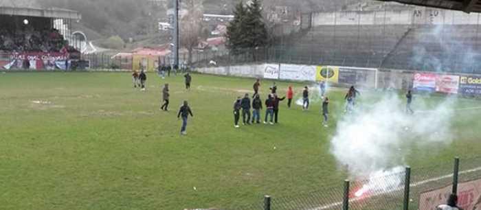 Calcio: scontri Acri Castrovillari, Daspo per 26 tifosi