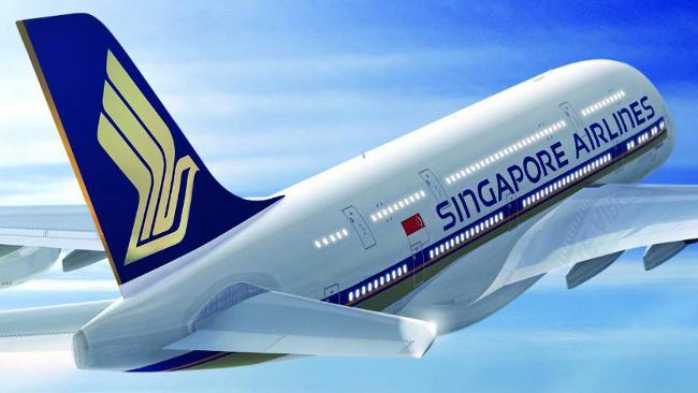 A fuoco motore e ala. Paura sul Boieng Singapore-Milano