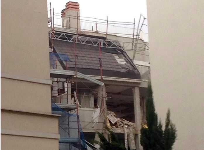 Esplosione a Milano per una fuga di gas