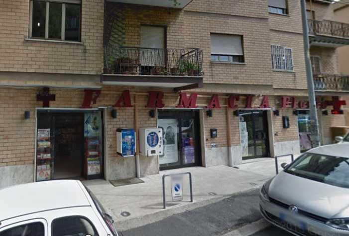 Roma, sparatoria dopo rapina in Farmacia, ferito carabiniere