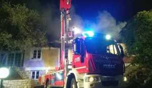 Racket, incendiata una pizzeria in centro a Vibo Valentia