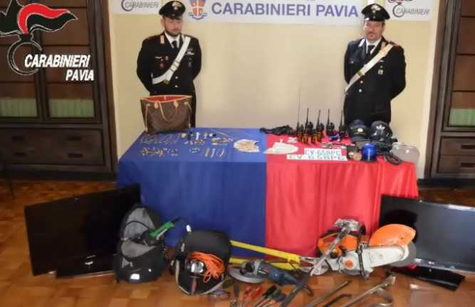 Pavia, sgominata banda finti carabinieri dediti a furti e rapine