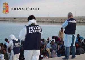 Sbarco migranti a Corigliano, fermati i due scafisti