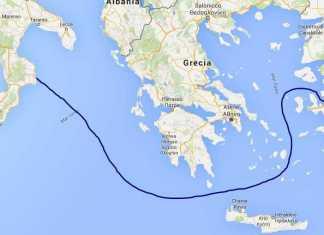 Migranti in barca a vela a 8mila euro verso Crotone. Presi scafisti