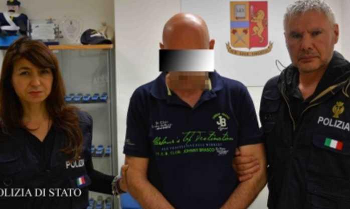 """Adesca 16enne: """"Andiamo in bagno"""". Arrestato bidello a Ragusa"""