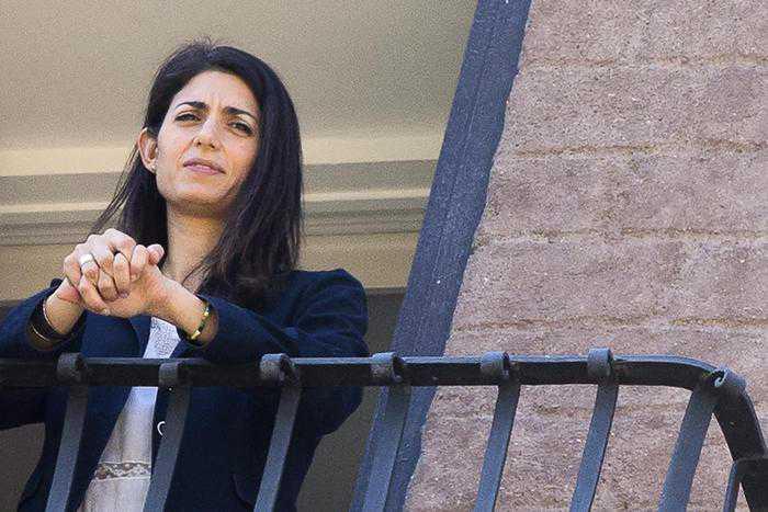 Processo su nomine in Campidoglio, chiesti 10 mesi per Virginia Raggi