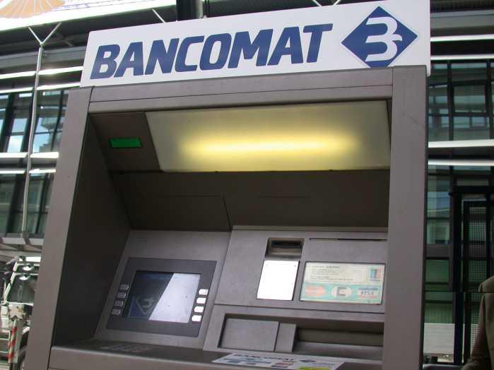 Roma, assalto ai bancomat. Arrestate 4 persone per rapina
