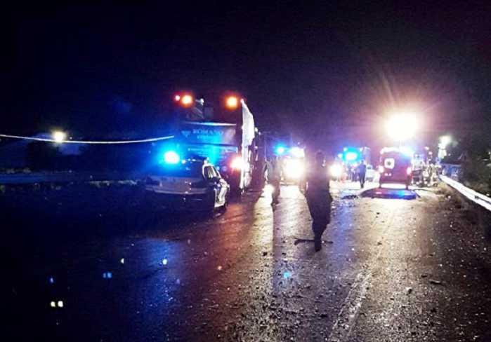 Incidente frontale auto-pullman sulla 106, un morto a Rossano