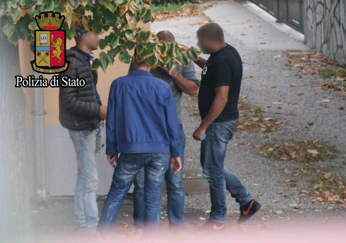 Scafisti di terra, scatta a Milano l'operazione Transitus