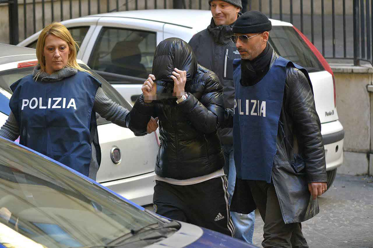 Roma, tentò di uccidere il compagno poliziotto. Arrestata 43enne