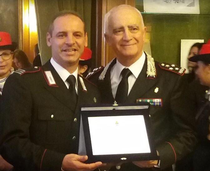 Salvò 19 persone nell'alluvione di Rossano, premiato maresciallo