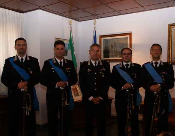 I cinque ufficiale dei Carabinieri che trasferiti ad altra sede