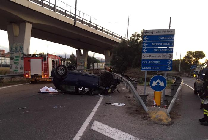 Tragico incidente a Cagliari. 3 morti e due feriti. Deceduta 17enne