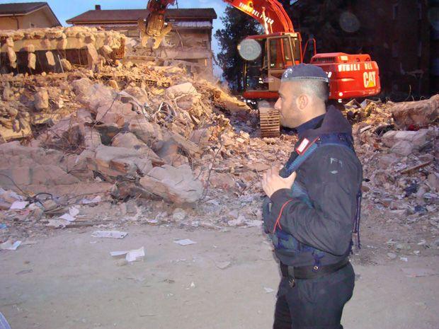 Carabinieri impegnati nei soccorsi
